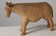 Krowa, drewno niepolichromowane, wys.13 cm, MET/67204